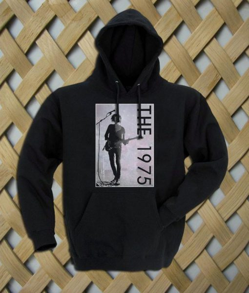 https://cdn.shopify.com/s/files/1/0985/5304/products/the1975_matt_healy_52a68a1c-2cfa-4822-a95b-fb17bbdc3e4b.jpeg?v=1448646341